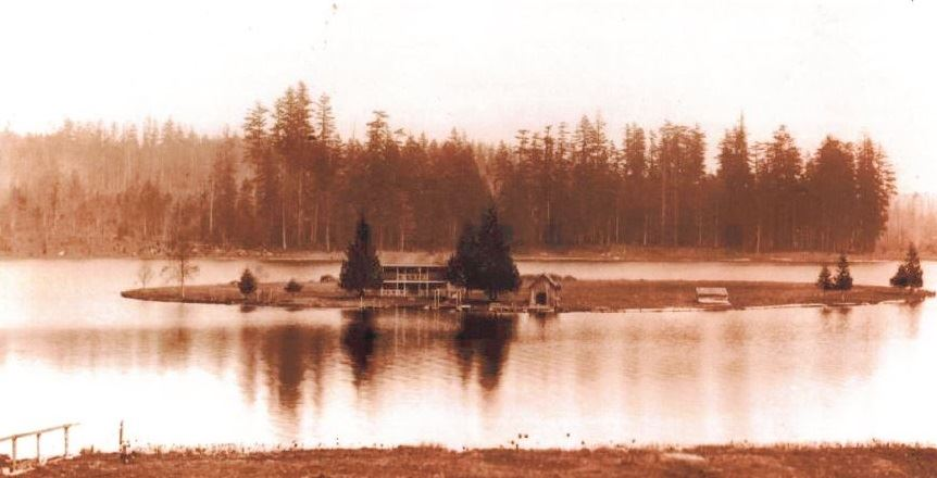 Home on Lake Ballinger Island Early 1900s