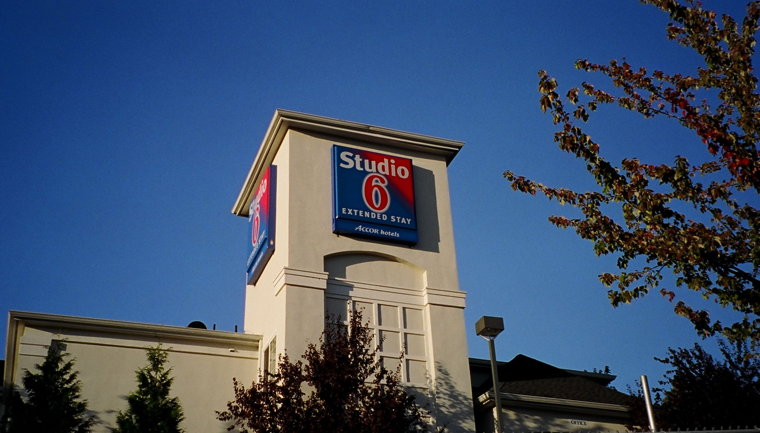 Studio 6 Hotel - Mountlake Terrace